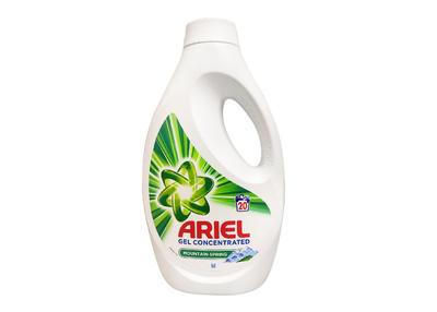 Detergent lichid Ariel Mountain Spring
