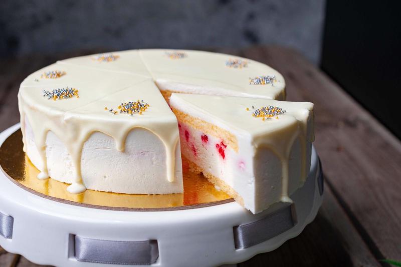 tort de iaurt cu zmeura